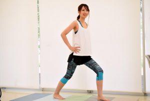 股関節痛を治すストレッチ法【また伸ばし】を医師推奨。柔軟運動と筋トレができる