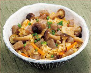 ご飯(ライス)を食べ過ぎてしまう人に|「コンニャク入り炊き込みご飯」レシピ