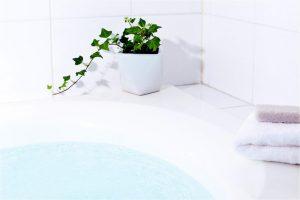 【入浴中におしっこしたくなる】原因と対策を泌尿器科専門医が解説。シャワーを控えよう