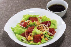 納豆を熱々ご飯にかけて食べるのはNG!納豆の栄養を丸ごととるならマグロ納豆サラダ(血栓予防に)