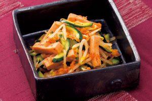 大豆に含まれる「レシチン」で血管クリーニング!高野豆腐とキムチの和え物(動脈硬化予防に)