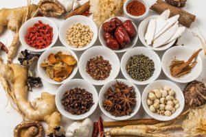 【耳管開放症の治療薬】漢方では加味帰脾湯が有効。精神安定薬も効く?