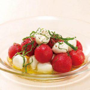 新食感の美味しいおつまみ!冷凍トマトとチーズの前菜(シミ予防&自律神経の乱れ予防)
