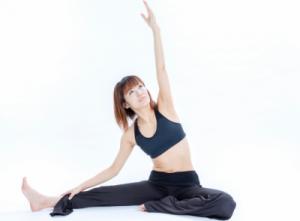 【動画あり】女性ホルモンが増える!?簡単体操「ジョホレッチ」で女性の健康と若さを維持!