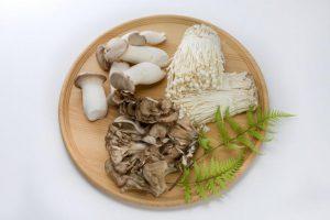 菌活ダイエット用の【塩きのこ】は、えのき・まいたけ・エリンギの3種で作るのがおすすめ