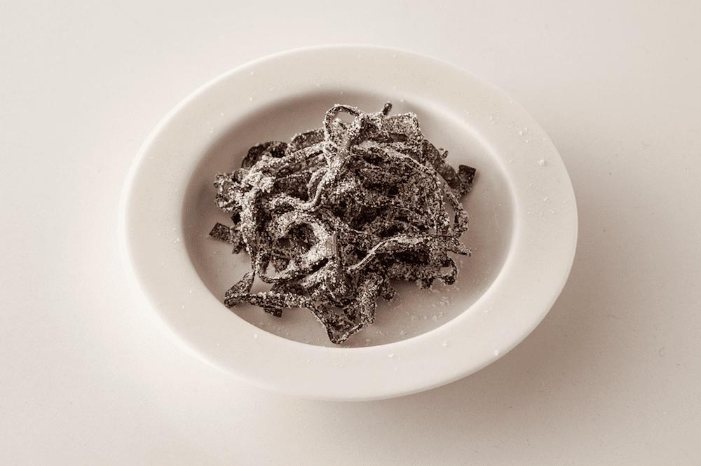 【塩こんぶ】は健康作用たっぷりの「スーパー食材」。熱中症対策から、高血圧・高血糖・骨粗鬆症・貧血の予防や腸内環境の改善まで