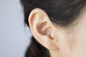 【難聴セルフ診断】専門医が(難聴の原因・種類・治療法)を全解説。放置は危険