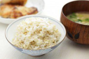 主食カットは時代遅れ⁉もち麦で腸内のヤセ菌を増やしヤセ体質に