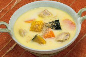カボチャは夏野菜なのに身体を温める⁉︎カボチャの豆乳ゴマスープ(がん対策に)