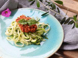 麺いらずのトマトパスタで夏バテを予防しよう〜キレイが作れるはじめてのローフードごはんvol.15〜