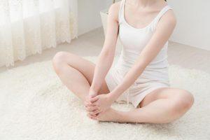 女性ホルモン不足による不快症状が改善できるかも。治療家考案【骨盤のゆがみ】を正す体操のやり方