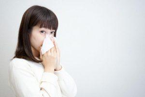 【耳管開放症】は副鼻腔炎と関係がある?鼻かみが原因になることも