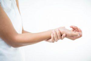 【動画あり】手首のツボ押し・ゆらしなど自律神経を整える医大実証エクサ。交感神経優位の状態を正すセルフ整体