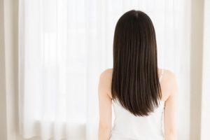 簡単にできる!宇津木流[湯シャン]で抜け毛・白髪が減り、ツヤのある黒髪に!