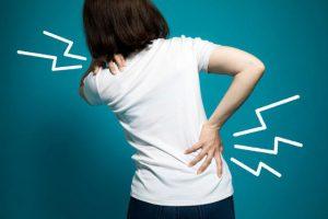 【骨盤のゆがみ】はあらゆる不調を招く可能性が。関節痛、便秘、女性ホルモン不足など(歯科医師解説)