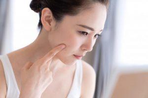 老け顔は【ほうれい線】が原因?乾燥とコラーゲン不足が招くと医師警告