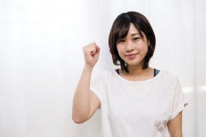 【逆流性食道炎のセルフ対策】胃酸の逆流を防ぐ「こぶし呼吸」のやり方。呼吸筋強化がカギ?