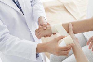 【腱鞘炎・手根管症候群】はセルフ治療法「テープ整体」のやり方。数日で軽快した人もいる