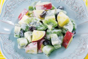 キウイ1個の「ビタミンE」含有量はリンゴの7個分⁉︎キウイのヨーグルトサラダ(肌荒れを気にする人に)