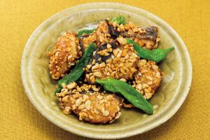 【高血圧を防ぎたい人へ】カリウム豊富レシピ「サワラのピーナッツ揚げ」