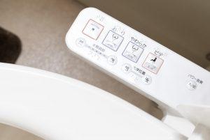 【便秘専門家が注意喚起】便秘の意外な原因は「温水洗浄便座の間違った使い方」。洗いすぎが危険!